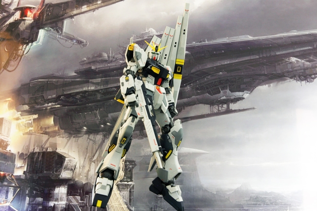 Nu Gundam with funnels